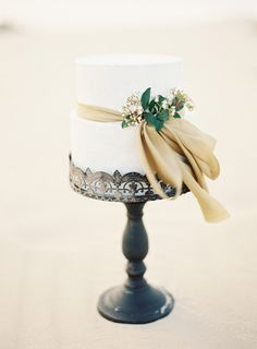 Beautiful Vintage Wedding Cake Stand - No cake topper, ribbon, flowers, cake