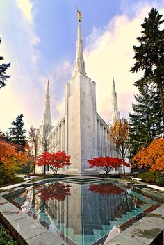 The Portland, Oregon Temple of The Church of Jesus Christ of Latter-day Saints For more daily inspiration go to http://www.godismyguide.com