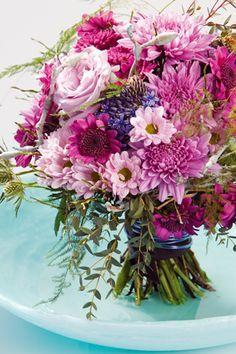 Een mooi roze boeket voor  moeder! Verrassend arrangement met chrysanten gespot op JustChrys.com