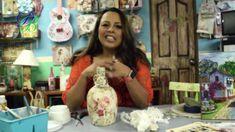 Botella decorada con filtros para café Craft Work, Handmade Crafts, Make It Yourself, Painting, Recycled Bottles, Bottle Art, Craft Videos, Bottle Crafts, Artwork Ideas