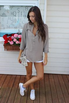 White shorts and flowy top & sneakers