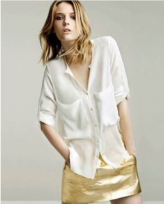 Name: 2012 Summer New Chiffon shirt with two Pockets  Hi, everybody, comen on and watch the New Chiffon shirt with two Pockets. You can match rock or jeans, so leisure and fashion. Imported.
