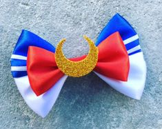 Sailor moon bow by Dreamloveandbows on Etsy Sailor Moon Party, Sailor Moon Birthday, Sailor Moon Crafts, Sailor Moon Outfit, Sailor Moon Costume, Diy Bow, Diy Ribbon, Ribbon Crafts, Sailor Moons