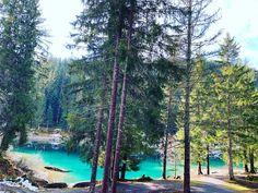 Сколько красоты у меня в фотоплёнке..хочу делиться с вами ☺️. Такого цвета озёра и реки в Швейцарии 😍 Instagram