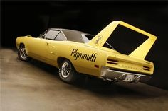 A rare 1970 Plymouth Superbird with a 426 Hemi Dodge Daytona, Dodge Charger Daytona, Plymouth Muscle Cars, Plymouth Superbird, Drag Cars, American Muscle Cars, Mopar, Cool Cars, Classic Cars