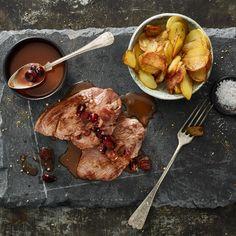 Rehschnitzel an Cranberry-Portwein-Jus