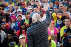 We should probably start calling Bart Yasso maestro. Thanks Bart for helping Marathon Maniacs Half Fanatics and #50StatesMarathon Club members salute Chris Lieberman in the 2016 Williams Route 66 Marathon's Maniac Corner.
