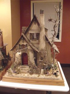 Huntley House Miniatures - Don Silva Witches Cottage