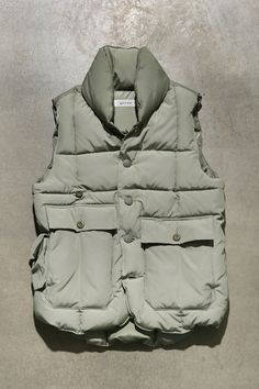 153-004 [LODGE PUFFER VEST]-retro Military Fashion, Mens Fashion, Outdoor Vest, Camo Shirts, Down Vest, Field Jacket, Puffer Vest, Urban Outfits, Waistcoat Men