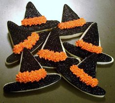 Halloween cookies - witch hat cookies #halloweencookies #witchhatcookies