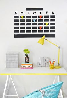 DIY Chalk Board Calendar || This would look great in any craft room or office!
