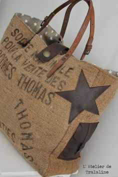 Burlap Coffee Bags, Coffee Sacks, Sacs Tote Bags, Diy Tote Bag, Homemade Bags, Diy Sac, Fab Bag, Diy Bags Purses, Leather Scraps
