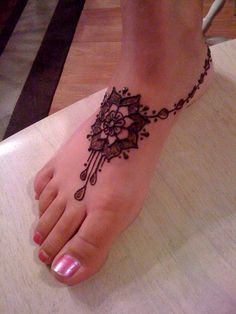 v2 by Henna Junkie ~Aunthenna~, via Flickr Simple Foot Henna, Tattoo Bein, Real Tattoo, Tatoo Art, Mehndi Tattoo, Henna Tattoos, Tattoos Mandalas, Mehndi Art, Henna Mehndi