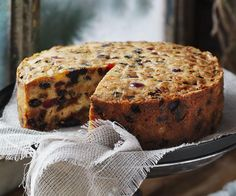 Golden fruit cake — Food to Love – Pastry World Delicious Cake Recipes, Fruit Recipes, Gourmet Recipes, Cooking Recipes, Weekly Recipes, Bread Recipes, Batch Cooking, Dessert Recipes, Food Cakes