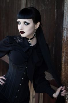 Model, MUA: Obsidian Kerttu Blouse: Spin Doctor... - Gothic and Amazing
