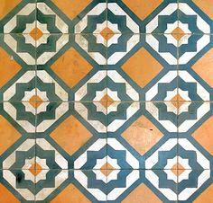 Tile as seen in Barcelona, Spain. Via Astúries 046 n, Flickr.