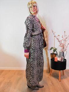 Jurk Devanshu African Leopard Sustainable Clothes, African Leopard, Dresses, Fashion, Vestidos, Moda, Fashion Styles, Dress, Fashion Illustrations