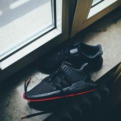 detailed look a8814 43131 adidas Originals EQT Equipment Support 9317 Boost Red Carpet Pack  (schwarz  rot) - Versandkostenfrei ab 75€