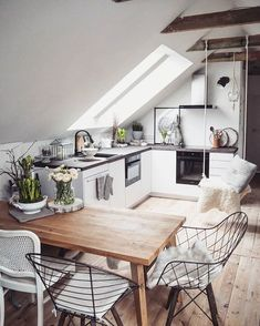 Loft Kitchen, Home Decor Kitchen, Home Kitchens, Attic Design, Küchen Design, House Design, Sweet Home, House Rooms, Interior Design Living Room