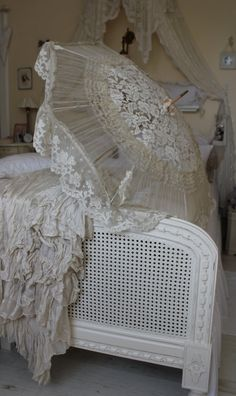 vintage lace sunshade.... For beautiful wedding dresses go to www.emmahunt.co.uk