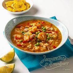 """En días lluviosos, es bueno estar en casa y disfrutar de un """"#ASOPAO DE #CAMARONES AL #VINO Y UNOS RICOS #TOSTONES"""" Puse el limón y de paso un picantico para entonar Pon el #aguacate y a #comer! #Compártelo!"""