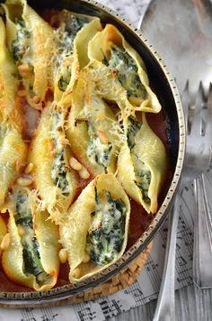 Des pâtes conchiglioni farcies à la ricotta et aux épinards, voilà un plat que je souhaitais faire depuis très longtemps...