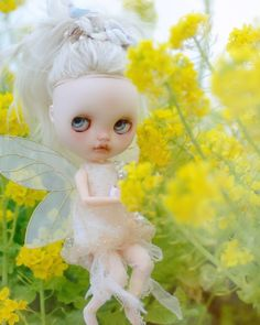 Blythe Dolls, Tinkerbell, Disney Characters, Fictional Characters, Disney Princess, Instagram, Baby Dolls, Flowers, Tinker Bell