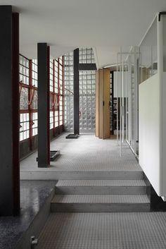Robert Rubin's House of Glass - WSJ.com/Maison de Verre/ Paris, France/ 31 Rue-St. Guillaume/ 1928