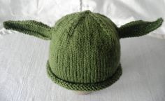 Hand knitted Yoda and Leia baby hats for Star Wars fans Baby Hats Knitting, Knitted Baby, Baby Presents, Princess Leia, For Stars, Baby Wearing, 6 Years, Cute Babies, Boy Or Girl