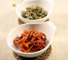 :: Korean Gourmet ::: Stired dried shredded squid / ojingeochae bokkeum(오징어채볶음)