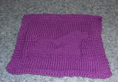 Knitted Cocker Spaniel Love Dish Cloth - my original design. Pattern available on Ravelry. Dog Themed Crafts, Cocker Spaniel Rescue, Handicraft, Ravelry, Knit Crochet, Knitting Patterns, Craft Projects, Dish, Birds