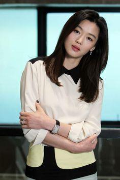 Jun Ji Hyun, Korean Girl, Blouse, Long Sleeve, Sleeves, Beauty, Women, Fashion, Moda