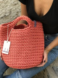 Scandinavian Style Crochet Bag Minimalistic Easy care Washable 30 C Color retention Super strong 38 cm width x 46 cm height 100% polyester 100% handmade