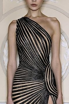 This is Amazing! The lines draw the eye around the garment // Zuhair Murad Pret-a-porter Spring 2013