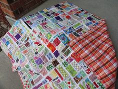 Easy Mosaic tile scrap quilt.  maybe my first quilting project? (http://oxfordimpressions.blogspot.com/2011/05/raw-edge-scrap-quilt.html)