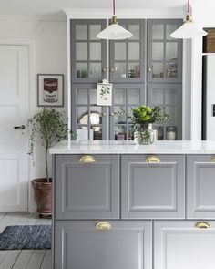 Kitchen cabinet design for apartment apartment therapy kitchen cabinet hacks that boost your kitchen style apartment . kitchen cabinet design for apartment Ikea Kitchen Design, Kitchen Cabinet Design, Interior Design Kitchen, Kitchen Decor, Kitchen Ideas, Küchen Design, Home Design, Design Ideas, Design Styles