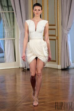 Dilek Hanif - Couture - Spring-summer 2013 - http://www.flip-zone.net/fashion/couture-1/independant-designers/dilek-hanif