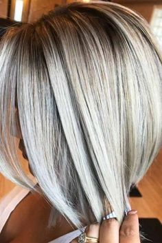 Stacked Bob Hairstyles For Women, With a couple styling tricks you're able to transform the medium hairstyles in various styles. The medium hairstyles are a rather excellent alternate . Hair Styles 2016, Medium Hair Styles, Curly Hair Styles, Medium Curly, Short Thin Hair, Short Hair Cuts, Stacked Bob Hairstyles, Bob Haircuts, Hairstyles Haircuts
