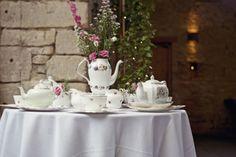 Cottage Garden Feel Cotswolds Wedding Crockery http://www.suekwiatkowska.com/