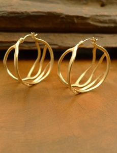 Annette Ferdinandsen Jewelery - Stunning recreation of nature in her designs.