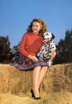 Marilyn Monroe and her canine friend