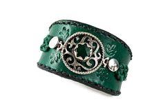 Bracelet exclusif en cuir vert bijou argent et pierre par SteamSkin