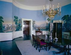 View of President John F. Kennedy's Rooms, White House in 1962 ~ vintage everyday : View of President John F. Kennedy's Rooms, White House in 1962 ~ vintage everyday White House Rooms, White House Interior, Red Rooms, Building The White House, Les Kennedy, Jackie Kennedy, Family Dining Rooms, Queen, Historic Homes
