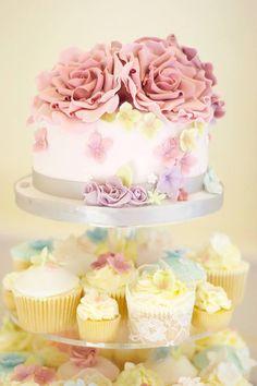 Cutting cake, cupcake tower, wedding, kissmycake