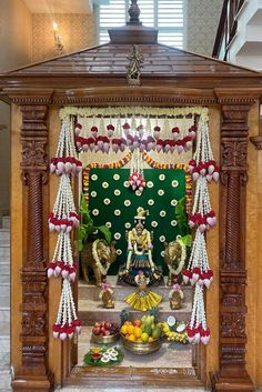 Door Flower Decoration, Home Flower Decor, Mandir Decoration, Backdrop Decorations, Diwali Decorations, Indian Wedding Decorations, Festival Decorations, Flower Decorations, Backdrops