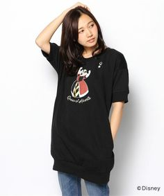 one after another NICE CLAUP(ワンアフター アナザー ナイスクラップ)の「【ナイスクラップ】Disneyコラボ 女王様プルオーバー(Tシャツ・カットソー)」 - WEAR