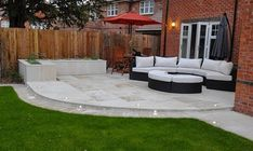 Excellent Patio And Backyard Designs The post Patio And Backyard Designs… … - Garten Dekoration Back Garden Design, Modern Garden Design, Backyard Garden Design, Backyard Patio, Backyard Landscaping, Backyard Designs, Small Back Garden Ideas, Patio Ideas For Small Gardens, Patio Area Ideas