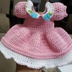 Amigurumi Baby Dress Making - Stricken 2020 Baby Knitting Patterns, Knitting For Kids, Hand Knitting, Crochet Patterns, Crochet Amigurumi, Amigurumi Doll, Knit Baby Dress, Crochet Doll Clothes, Kind Mode