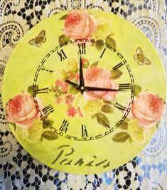 30 egyedi kézzel készített karácsonyi ajándékötlet Decoupage, Clock, Vintage, Home Decor, Projects, Watch, Decoration Home, Room Decor, Clocks