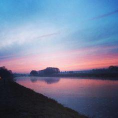 De zon is al op - The sun shines already #sunrise #Mooirivier #Dalfsen #Overijssel